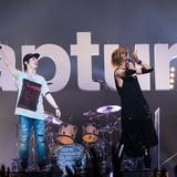 OLDCODEXが自身初の日本武道館ライブで全25曲を熱唱!