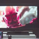 「進撃の巨人」「あの花」ほか、スマホに映る人気アニメとカラクリ装置が連動した映像作品完成