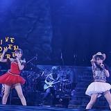 水樹奈々ツアーファイナルに高垣彩陽登場 「戦姫絶唱シンフォギアGX」の劇中歌「BAYONET CHARGE」を披露