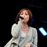 藍井エイルが「イナズマロックフェス 2015」に出演 DJスタイルでロックナンバー4曲を熱唱