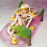 ドーナツのお風呂でご満悦な忍野忍の1/8スケールフィギュアが受注生産で発売決定