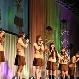 「三者三葉」初のステージイベントに和久井優らメインキャスト6人が制服姿で集結
