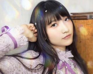 山崎エリイ、1stシングル「十代交響曲」のカップリング曲で作詞に初挑戦