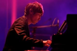 澤野弘之、初のホールライブで「進撃の巨人」「ガンダムUC」ベストセレクション披露