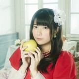 竹達彩奈、ベストアルバム「apple feuille」のジャケット写真&新アーティスト写真公開