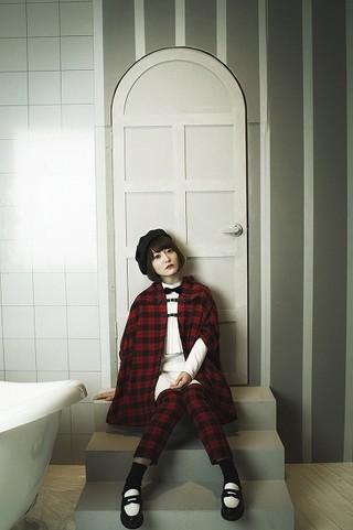 花澤香菜、ラッキィ池田振り付けのダンスを一発撮り 「レイトン」ED主題歌のMV公開