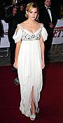 エマ・ワトソンが、英ナショナル・ムービー・アワードで観客を魅了