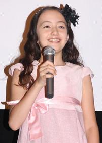11歳の天使の笑顔に大人たちは顔負け「パコと魔法の絵本」