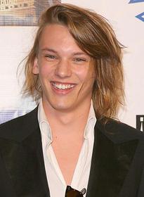 パティンソンと同じ英国人で モデル出身のイケメン俳優「トワイライト 初恋」