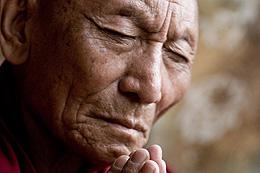 チベット問題よりも、パルデン・ギャツォという人間について追う「雪の下の炎」
