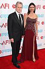 マイケル・ダグラスがAFI功労賞を受賞。授賞式に豪華スターが集結
