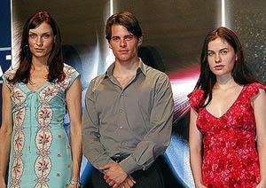 (左から) ファムケ・ヤンセン、ジェームズ・マーズデン、アンナ・パキン「X-メン」