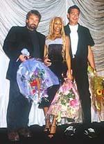 (左から)リュック・ベッソン、 ミア・フライア、フレッド・ギャルソン「TAXi(2)」