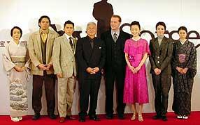 <左より>岩下、永澤、本木、篠田監督、グレン、葉月、小雪、夏川「スパイ・ゾルゲ」
