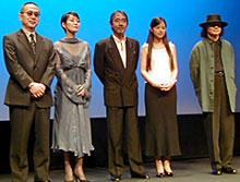 (左より)小泉堯史監督、樋口可奈子、 寺尾聰、小西真奈美、加古隆「雨あがる」