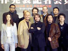 (前列左より)小雪、渡辺、クルーズ、真田、中村 (後列左より)菅田、福本、ズウィック監督、 ハースコビッツプロデューサー、原田「ラスト サムライ」