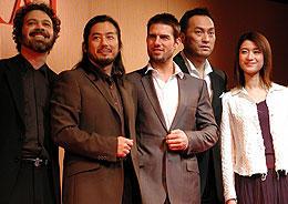 (左より)エドワード・ズウィック監督、真田広之 トム・クルーズ、渡辺謙、小雪「ラスト サムライ」