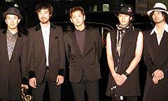 (左より)MITCH、松岡俊介、萩原聖人、 オダギリジョー、村上淳「この世の外へ クラブ進駐軍」