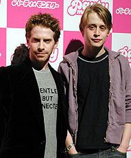 共演のセス・グリーン(左)とカルキン君「パーティ・モンスター」