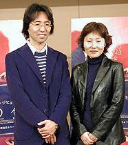 イ・スヨン監督(右)と同作のノベライズを 執筆した大石圭氏「猟奇的な彼女」