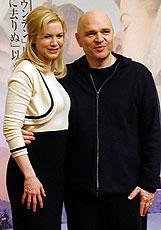 (左より)レニー・ゼルウィガー、 アンソニー・ミンゲラ監督「コールド マウンテン」