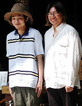 監督・脚本の宮藤官九郎(左)と 原作者・しりあがり寿「木更津キャッツアイ 日本シリーズ」