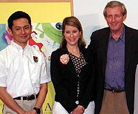 (左より)宮崎吾朗館長、ミッシェル・スペイン氏 バド・ラッキー監督「バウンディン」