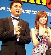 会見に出席した鈴木監督、 ヒロイン役の田中麗奈「スパイダーマン2」