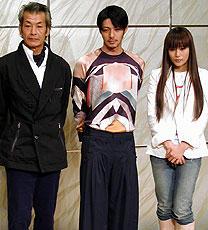 (左より)田中泯、オダギリジョー、柴咲コウ「メゾン・ド・ヒミコ」