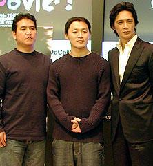 (左より)ヤン・ユノ監督、ヤン・ドングン、加藤雅也「風のファイター」