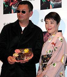 (左より)ウォン・カーウァイ監督、寺島しのぶ「愛の神、エロス」