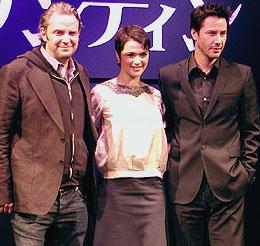 (左より)フランシス・ローレンス監督、レイチェル・ワイズ、 キアヌ・リーブス「コンスタンティン」