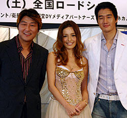 韓国きっての演技派ソン・ガンホ(左)とユ・ジテ(右) 通な映画ファンには嬉しい組み合わせ「南極日誌」