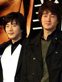 スターは体調管理も怠りなく! (左より)クォン・サンウ、ユ・ジテ「美しき野獣」