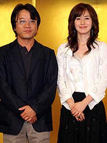 実際もチャーミングなキム・ジス(右)と イ・ユンギ監督(左)「チャーミング・ガール」