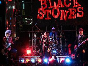 新宿で行われたパンクバンドBLACK STONESのライブ「NANA」