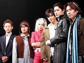 (左から)脇阪寿一、中村祐一郎、蒲生麻由、 中村俊介、内田朝陽、須賀大観監督「スピードマスター」