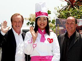 お嫁さんになるのはレミーの夢より大変なの? (左から)ブラッド・バード監督、しずちゃん、ブラッド・ルイス「レミーのおいしいレストラン」