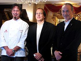 「厨房で逢いましょう」 (左から)フランク・エーラー、ミヒャエル・ホーフマン監督、 松尾幸造氏「厨房で逢いましょう」