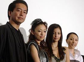 (左から)曽利文彦監督、松雪泰子、黒木メイサ、mink「ベクシル 2077日本鎖国」