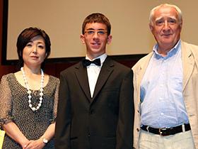 (左から)トークショー司会の竹下景子、 テオ・ゲオルギュー、フレディ・M・ムーラー監督「僕のピアノコンチェルト」