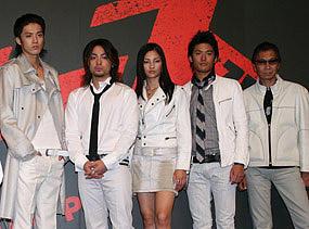 「クローズZERO」(左から)小栗旬、山田孝之、黒木メイサ、 高岡蒼甫、三池崇史監督「クローズZERO」