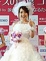 純白ウエディングドレス姿の西川史子「バージンに戻りたい」としみじみ