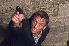 怪我も軽傷で、無事クランクアップ「007 慰めの報酬」