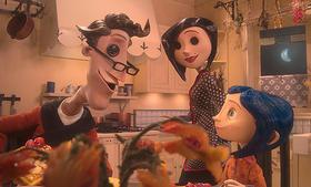 コララインが迷い込んだ別世界には、 目がボタンの両親がいて…「コララインとボタンの魔女 3D」