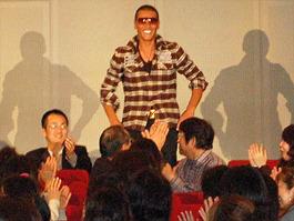 客席後方にSHINJOが!「僕たちのプレイボール」