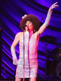 ライブでは観客総立ち「矢島美容室 THE MOVIE 夢をつかまネバダ」