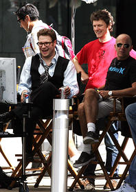 主演ローゲンとゴンドリー監督が談笑「グリーン・ホーネット」