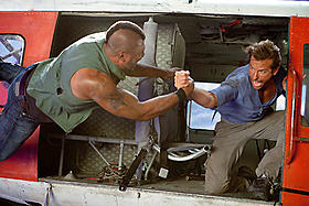 B・Aを震え上がらせた超絶飛行アクションに期待「特攻野郎Aチーム THE MOVIE」