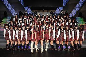 AKB48の力があれば、メガ津波にも負けない!?「TSUNAMI ツナミ」